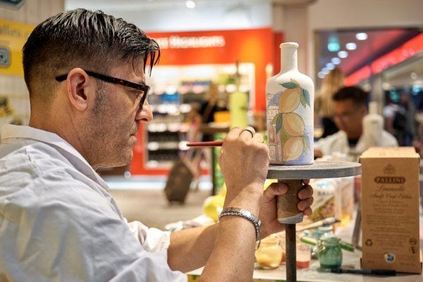 "Limoncello Pallini ""Amalfi Coast Edition"" in ceramica dipinta a mano a Bologna"
